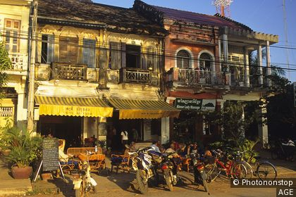 Cambodge, Kampot, Rusty Keyhole Pub, architecture coloniale