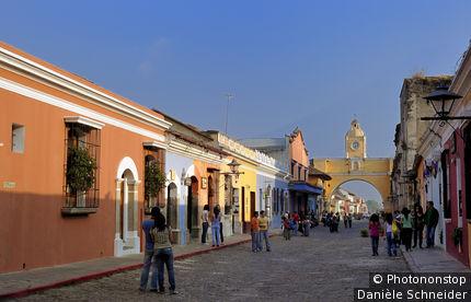 Arco de Santa Catalina (1694), Antigua, patrimoine mondial UNESCO, Guatemala, Amérique centrale