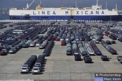 Corée du Sud, Ulsan, parc de voitures neuves Hyundai sur quai