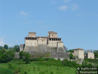 Parme est immergée dans une somptueuse campagne où pullullent des châteaux médiévaux., comme celui de Torrechiara à 17 km au Sud.