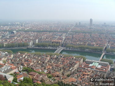 Vue panoramique de Lyon depuis Fourvière