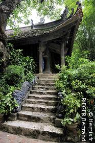 Thay Pagoda / Thien Phuc Pagoda