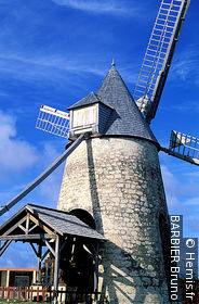 Bézard Windmill