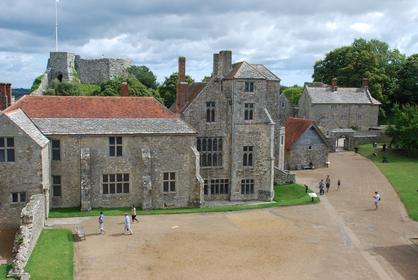 A l'intérieur de l'enceinte du château de Carisbrooke