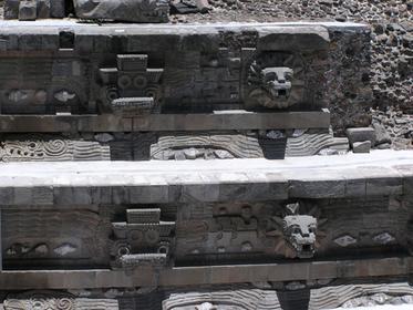 Détail du temple de Quetzalcoatl
