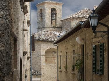 Civitella del Tronto Houses