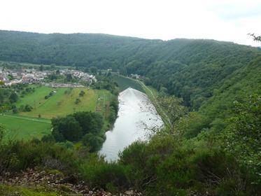 Monthermé-La Meuse vue de la Logue Roche