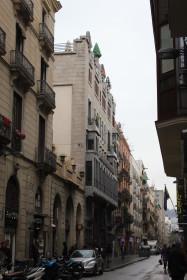 Dans la rue du palais Guell
