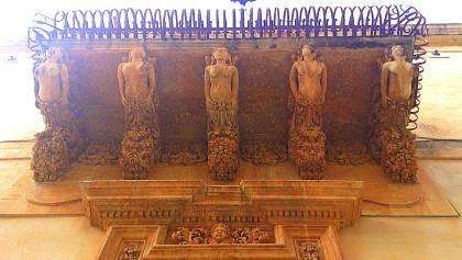 Noto - Noto Barocca - uno dei sei monumentali balconi di palazzo Astuto