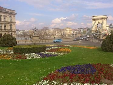 Clark Ádám tér - view to Széchenyi Lánchid / Danube / Pest