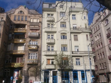 Belváros - Inner City - Beautiful houses on Belgrad rakpart