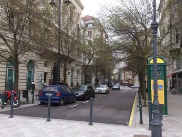 Váci Street 39