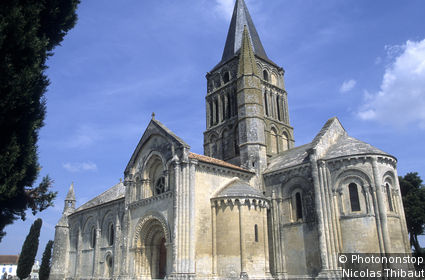 Church of Saint Pierre d'Aulnay