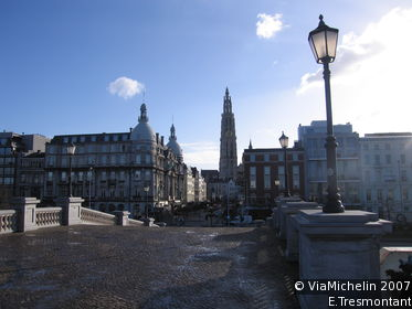 Around the Grand Place and Cathedral