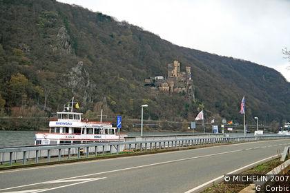 Von Burg zu Burg