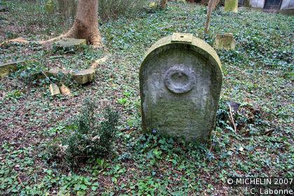 St Nicolas Cemetery