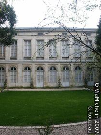 Henri II House