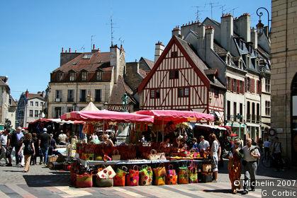 Place François-Rude (or du Bareuzai)