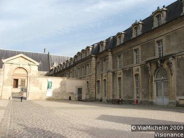 Tau Palace