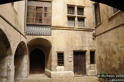 Rue Basse- du-chateau