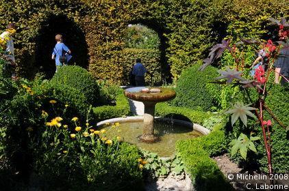 Labyrinthe jardin des cinq sens yvoire le guide vert for Jardin yvoire