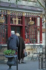 Rue Chanoinesse
