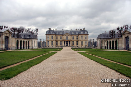 Champs-sur-Marne Castle