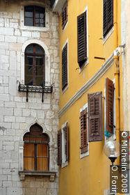 St Maur Street