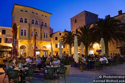 Arba Town Square