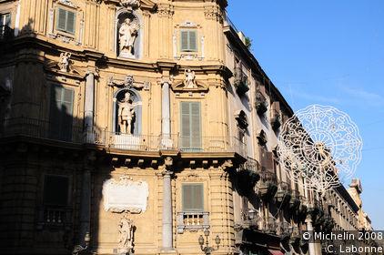 Quattro Canti (Piazza Vigliena)