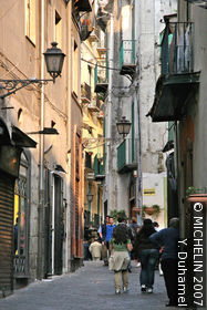 Via Mercanti (Merchants Street)