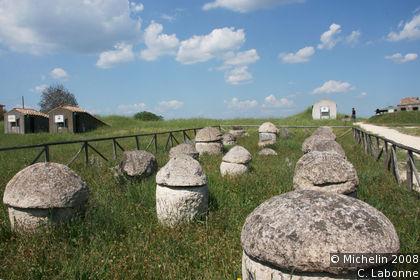 Necropoli etrusca (Etruscan necropolis)
