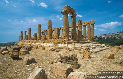 The temple of Junon (Tempio di Hera Lacinia)