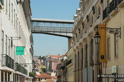 Rua do Carmo and Rua Garrett