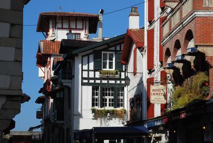 St-Jean-de-Luz : la rue Gambetta