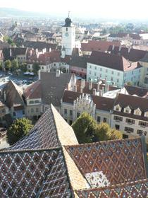 La tour et la Petite Place (Piaţa Mică) vue du clocher de la cathédrale Ste Marie