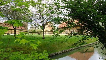 Grange, colombier et ferme du château de Crèvecœur-en-Auge