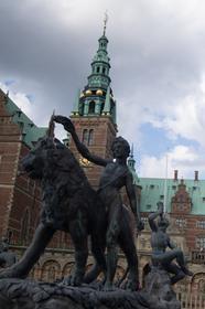 Statue de la fontaine