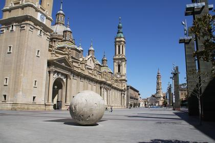 Plaza de la Seo and Plaza del Pilar