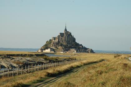 La digue du Mont-Saint-Michel