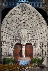 Portail des Apôtres