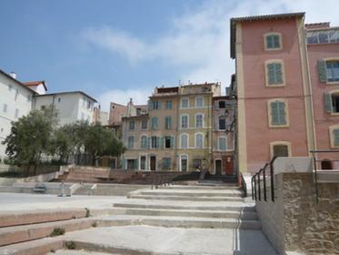 Place du Refuge Quartier du Panier Marseille 2e