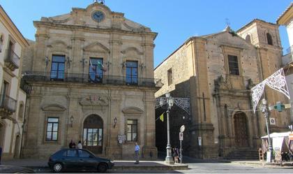 Garibaldi Square (Piazza Garibaldi)