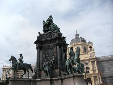 Maria-Theresien-Denkmal