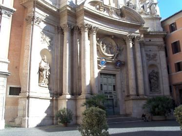 Façade de l'Eglise San Marcello