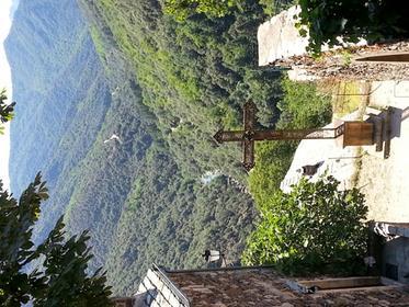 vue de l'entrée de l'église