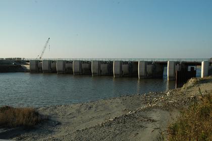 Mont-Saint-Michel : le nouveau barrage sur le Couesnon