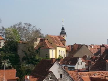 Stiegenkirche Graz, Zugang von Sporgasse aus, Aufnahmeort Dachrestaurant Freiblick im Kastner