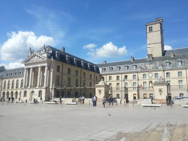 Place des Ducs-de-Bourgogne
