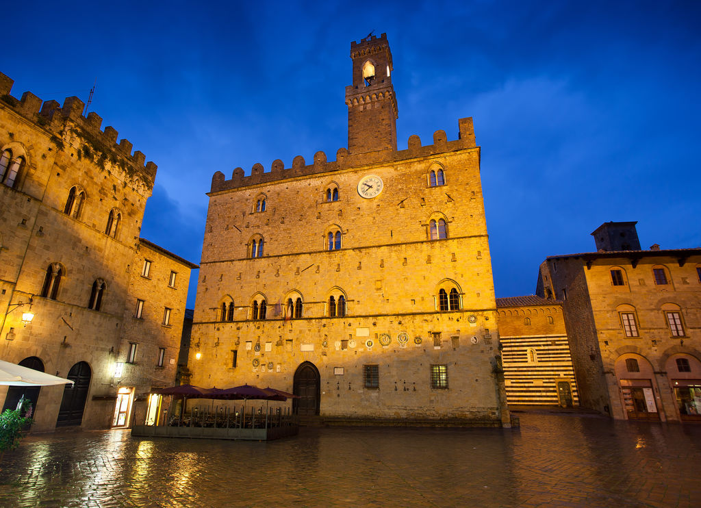 Hotel volterra in volterra book your hotel with for Hotel michelin